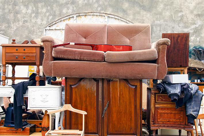 вывоз ветхой мебели
